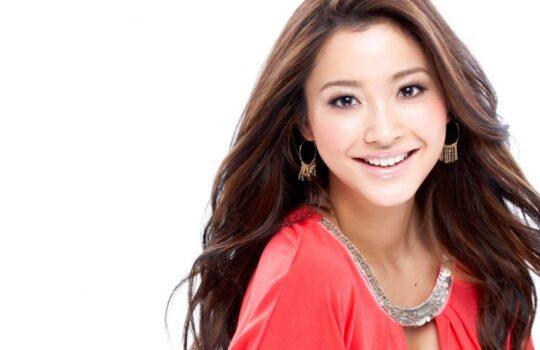 История японской красотки Эмири Миясака
