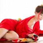 Смелые японки в красном